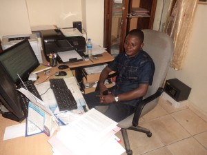 Jérôme an seinem Arbeitsplatz